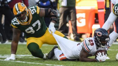 Packers pressure Fields all afternoon